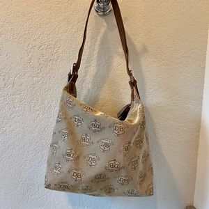 Dooney & Bourke logo handbag